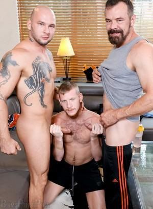 Gay threesome Porn Pictures - 305 Galleries