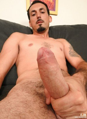 Handsome Guy James Smith,Geo Reigns,