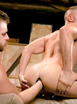 Sporty Hunk Brian Bonds,Zack Taylor,