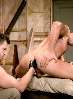 Muscle man Brian Bonds,Zack Taylor,