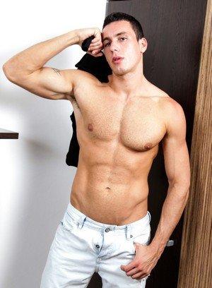 Sexy Dude Fernando Torreta,