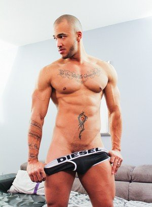 Hot Guy Kiern Duecan,Jin Powers,Krave Moore,