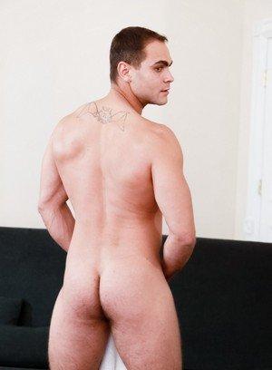 Handsome Guy Mike Mann,Brock Avery,