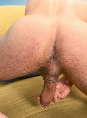 Sporty Hunk Nico Diaz,