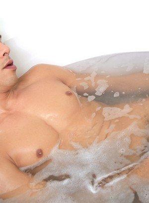 Sexy Dude Bobby Hart,