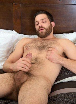 Hunky Gay Tommy Defendi,