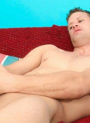 Handsome Guy Gavin Greene,