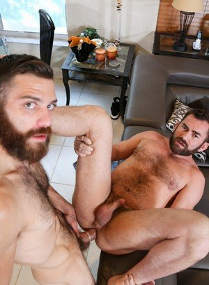 Horny Tommy Defendi,Jake Jennings,