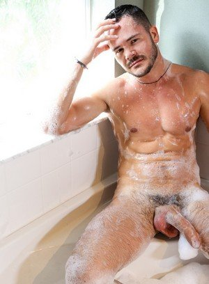 Muscle man Valentin Petrov,