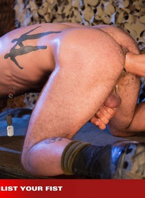 Naked Gay Matt Hart,Rogue Status,
