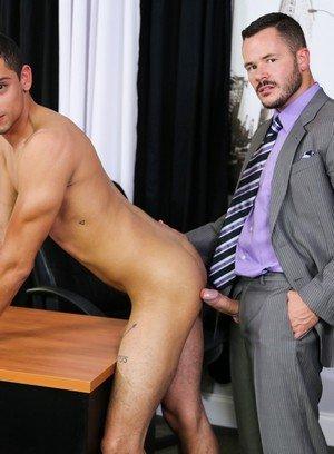 Muscle man Valentin Petrov,Patrick Ridge,