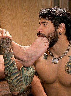 Handsome Guy Draven Torres,Shane Frost,