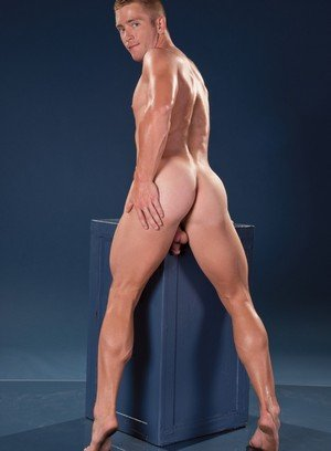 Sexy Guy Scott Riley,