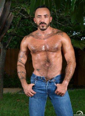 Hot Guy Alessio Romero,