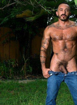 Hot Gay Alessio Romero,