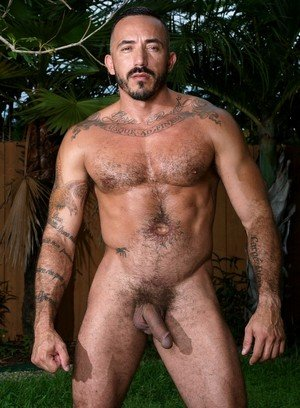 Muscle man Alessio Romero,