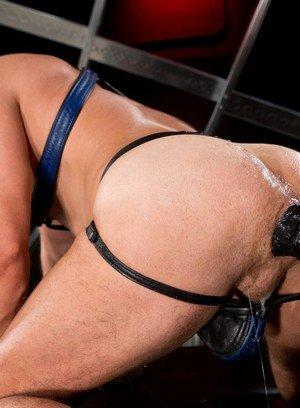 Hot Boy Brian Bonds,Manuel Olveyra,