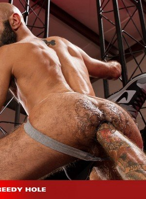 Muscle man Drew Sebastian,Boyhous,