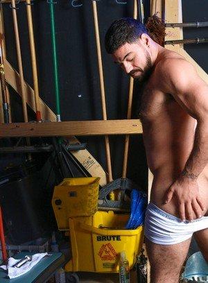 Big Dicked Gay Ricky Larkin,