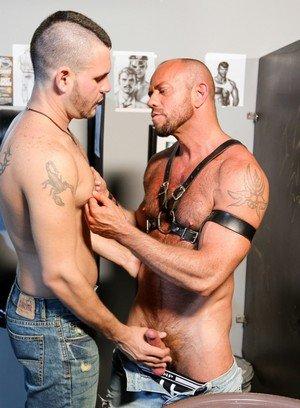 Muscle man Matt Stevens,Bradley Boyd,