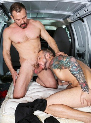 Muscle man Marxel Rios,Max Sargent,