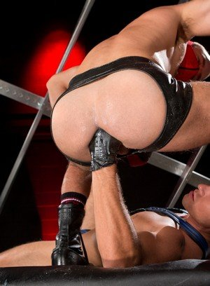 Horny Manuel Olveyra,Dylan Saunders,