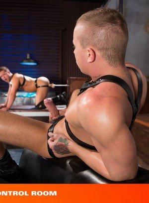 Hot Gay Dave Circus,Luke Adams,