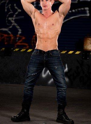 Sexy Guy Ryan Rose,Darius Ferdynand,