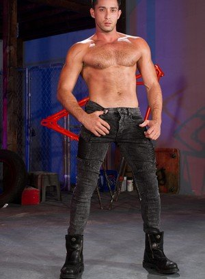 Sexy Guy Chris Bines,Armando De Armas,