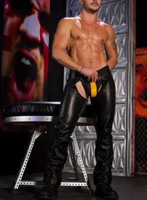 Hot Guy Valentin Petrov,Sean Zevran,