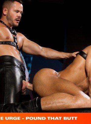 Good Looking Guy Valentin Petrov,Sean Zevran,
