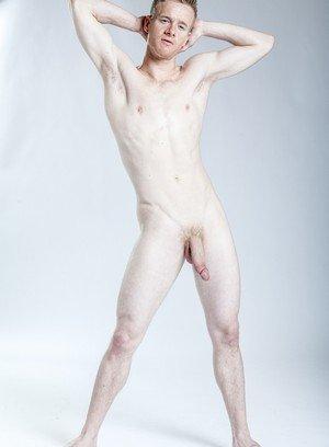 Hot Boy Rob Yaeger,Liam Harkmoore,