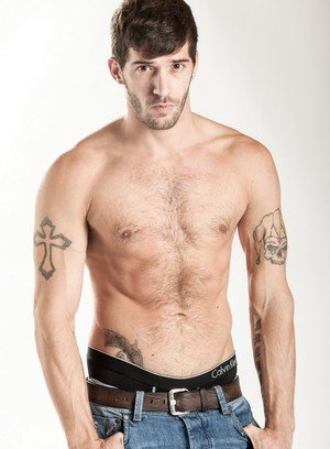 Muscle man Ty Roderick,Alex Greene,