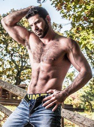 Hot Boy Jacob Ladder,Billy Santoro,