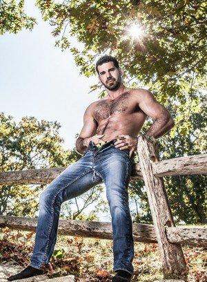 Handsome Guy Jacob Ladder,Billy Santoro,