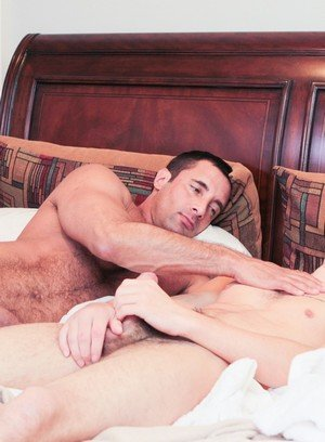 Sexy Dude Hunter Page,Nick Capra,