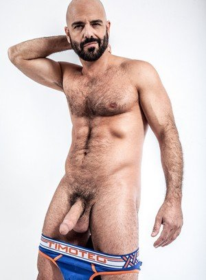 Sporty Hunk Adam Russo,
