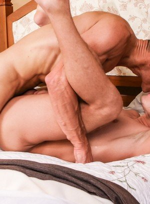 Hunky Gay Rodney Steele,Ian Levine,