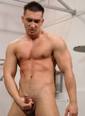 Hunky Gay Antonio Martinelli,