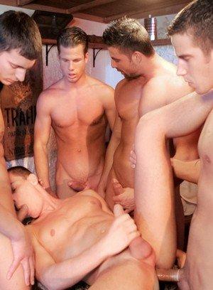 Muscle man Gabriel Thorsten,Julian Vincenzo,Fredy Costa,Irving Hunter,Geoffrey Garcia,