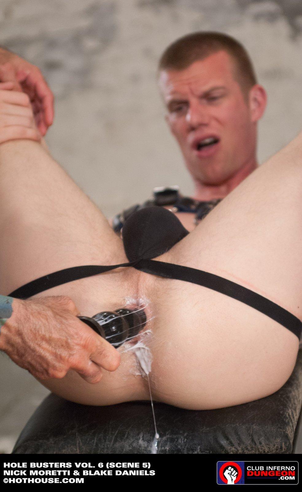 White client bonks his dark masseur