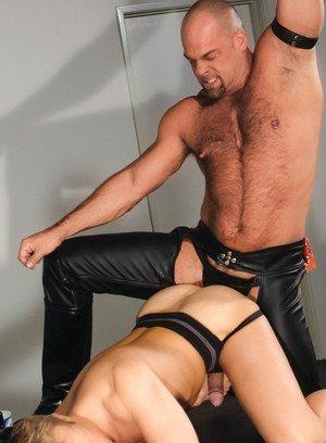 Handsome Guy Zak Spears,Thom Barron,