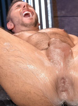 Muscle man Leo Forte,Zack Taylor,