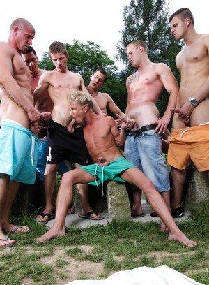 Handsome Guy Robert,Benjamin,Max Born,George Basten,