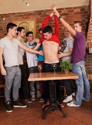 Wild Gay Tony,Greg,Oscar Hart,Armando,Harry,