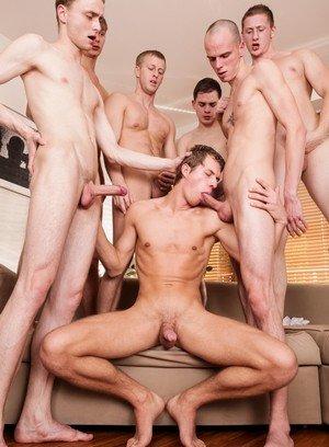 Hot Boy Luke,Pehy,Denis Reed,David Herman,Timoti,