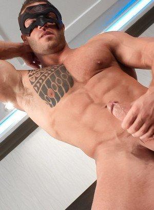 Sporty Hunk Devon Dexx,