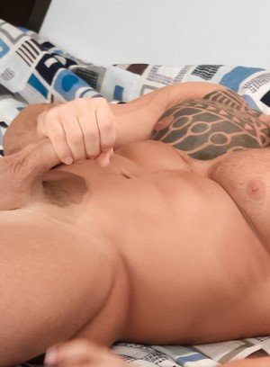 Hunky Gay Devon Dexx,