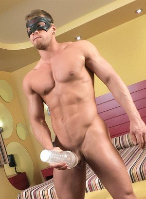 Muscle man Pascal,Brad,