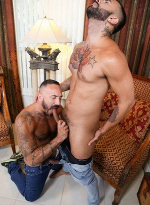 Muscle man Alessio Romero,Rikk York,